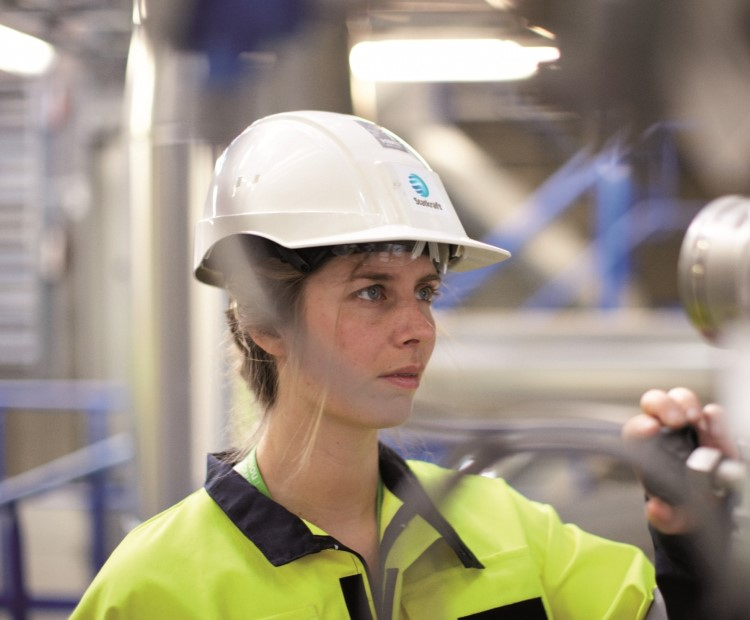 Female Statkraft employee